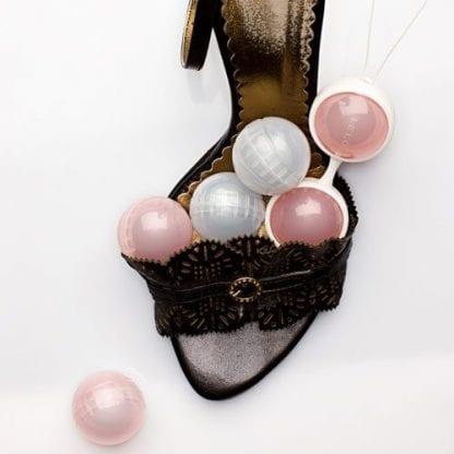 lelo luna beads mood